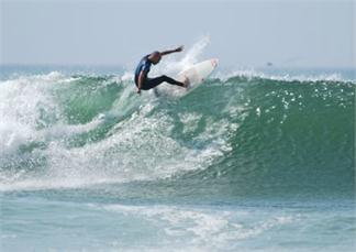 SURF CAMP ESPECIAL MENORES