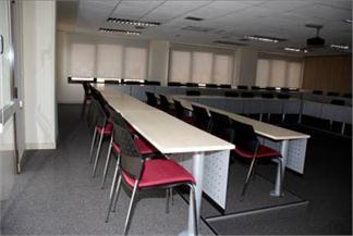Mobiliario para aulas fijo o escalonadas-3