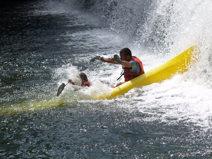 Rutas guíadas en canoa por el río Asón